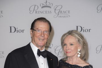 Sir Roger Moore 2015 Princess Grace Awards Gala With Presenting Sponsor Christian Dior Couture