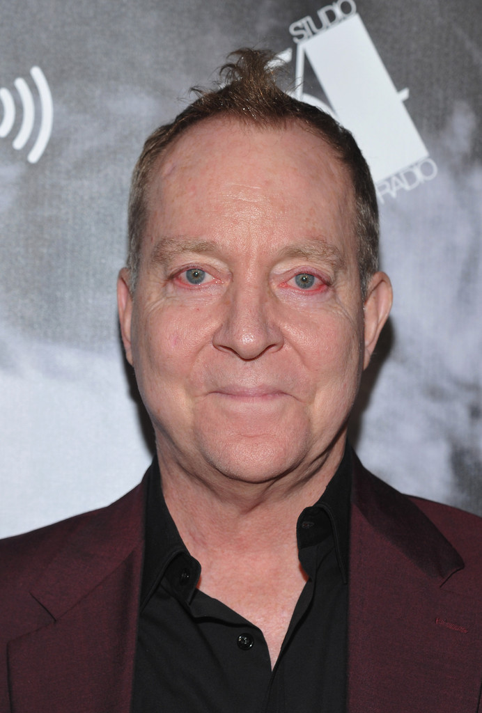 Is fred schneider gay