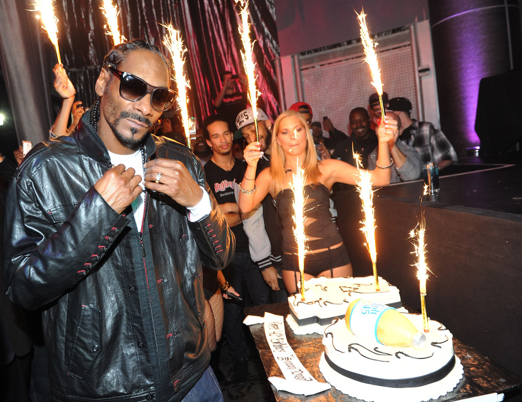 Snoop Dogg Photos Snoops 40th Birthday Party At The Rolling Stone