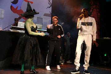 Snoop Dogg Hilarity for Charity's 5th Annual Los Angeles Variety Show: Seth Rogen's Halloween