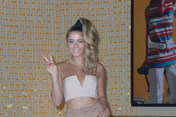 Sofia Reyes Univision's 13th Edition Of Premios Juventud Youth Awards - Roaming Arrivals