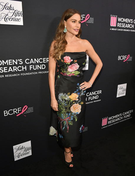 WCRF's An Unforgettable Evening Presented By Saks Fifth Avenue - Red Carpet