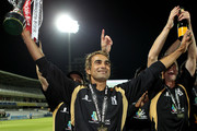 Imran Tahir of Warwickshire celebrates on a lap of honour during the Clydesdale Bank 40 Final match between Somerset and Warwickshire at Lord's Cricket Ground on September 18, 2010 in London, England.