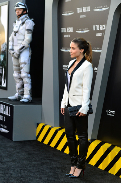 Sophia Bush - Premiere of Columbia Pictures' Total Recall at Grauman's Chinese Theatre in Hollywood - August 1st Sophia+Bush+Premiere+Columbia+Pictures+Total+5_RTpQjoHK8l