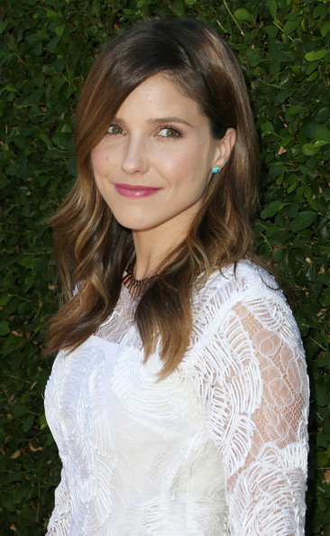 http://www1.pictures.zimbio.com/gi/Sophia+Bush+Rape+Treatment+Center+Fundraiser+xxEeWdnNKpql.jpg