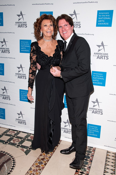 2015 National Arts Awards [event,carpet,award,premiere,white-collar worker,formal wear,dress,suit,fashion design,flooring,sophia loren,rob marshall,new york city,cipriani 42nd street,l,national arts awards]