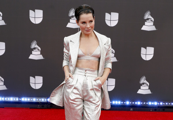 20th Annual Latin GRAMMY Awards - Arrivals [red carpet,carpet,clothing,fashion,flooring,hairstyle,dress,crop top,premiere,outerwear,arrivals,soraya,latin grammy awards,mgm grand garden arena,las vegas,nevada]