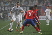 Louis Fenton of New Zealand compete for the ball with Park Joo-Ho and Nam Tae-Hee of South Korea during the international friendly match between South Korea and New Zealand at Seoul World Cup Stadium on March 31, 2015 in Seoul, South Korea.