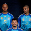 Iker Casillas and Victor Valdes Photos