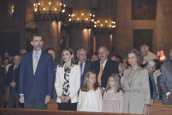 Spanish Royals (L-R) King Felipe VI of Spain, Queen Letizia of Spain, Princess Leonor of Spain, Princess Sofia of Spain and Queen Sofia attend the Easter Mass at the Cathedral of Palma de Mallorca on April 5, 2015 in Palma de Mallorca, Spain.