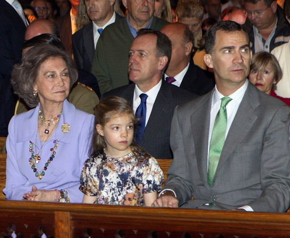Queen Sofia of Spain, Princess Sofia of Spain and Prince Felipe of Spain attend Easter Mass at the Cathedral of Palma de Mallorca on April 20, 2014 in Palma de Mallorca, Spain.