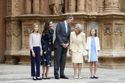 (L-R) Princess Sofia of Spain, Queen Letizia of Spain,  King Felipe VI of Spain, Queen Sofia and Princess Leonor of Spain attend the Easter Mass at the Cathedral of Palma de Mallorca on April 21, 2019 in Palma de Mallorca, Spain.