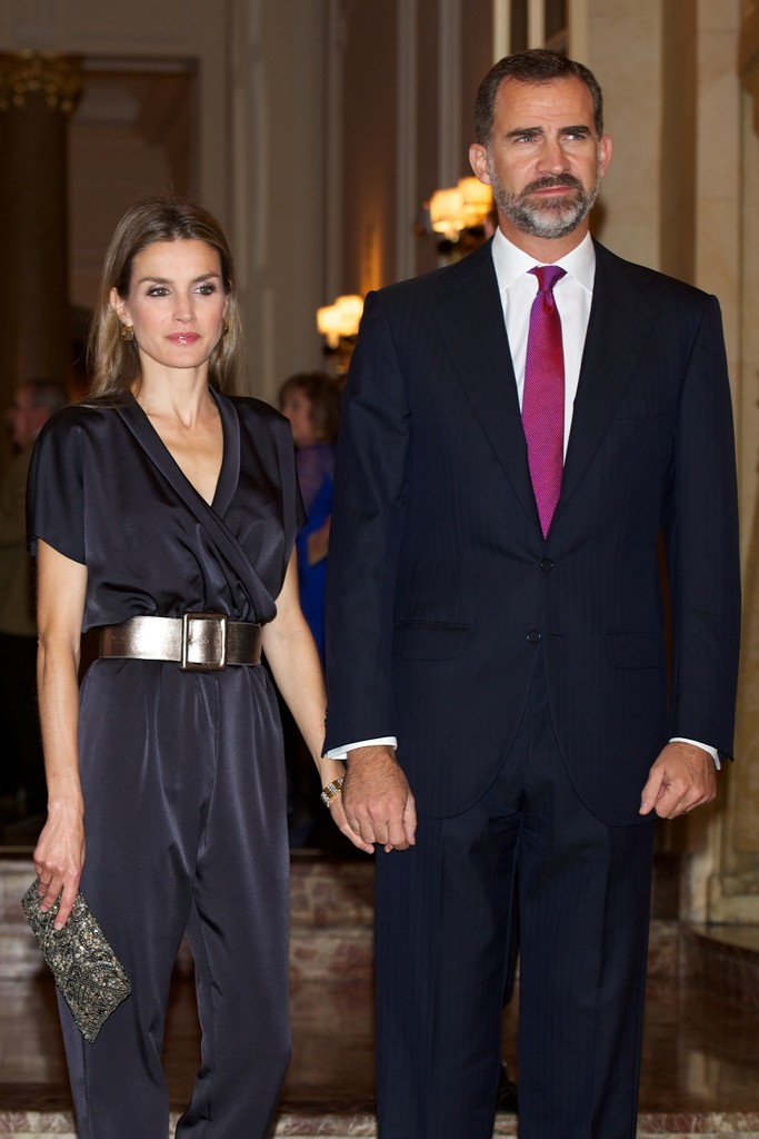 Letizia, Princesa de Asturias (III) (FORO CLAUSURADO) Spanish+Royals+Attend+Francisco+Cerecedo+Journalism+u8xLmE_wtRxx