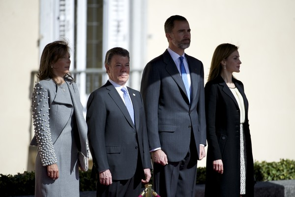 (L-R) Queen Letizia of Spain and King Felipe VI of Spain receives the President of Colombia Juan Manuel Santos and Maria Clemencia Rodriguez de Santos at El Pardo Royal Palace on March 1, 2015 in Madrid, Spain.