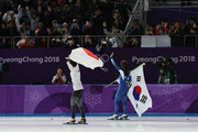 (L-R) Gold medalist Nao Kodaira of Japan and silver medalist Sang-Hwa Lee of Korea celebrate after the Ladies' 500m Individual Speed Skating Final on day nine of the PyeongChang 2018 Winter Olympic Games at Gangneung Oval on February 18, 2018 in Gangneung, South Korea.