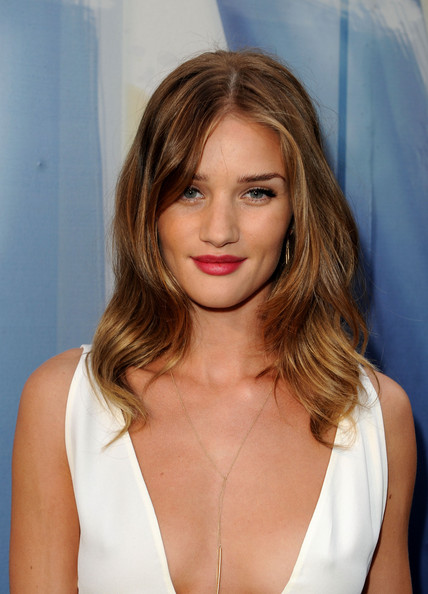 "Actress Rosie Huntington-Whiteley arrives at Spike TV's 5th annual 2011 ""Guys Choice"" Awards at Sony Pictures Studios on June 4, 2011 in Culver City, California."
