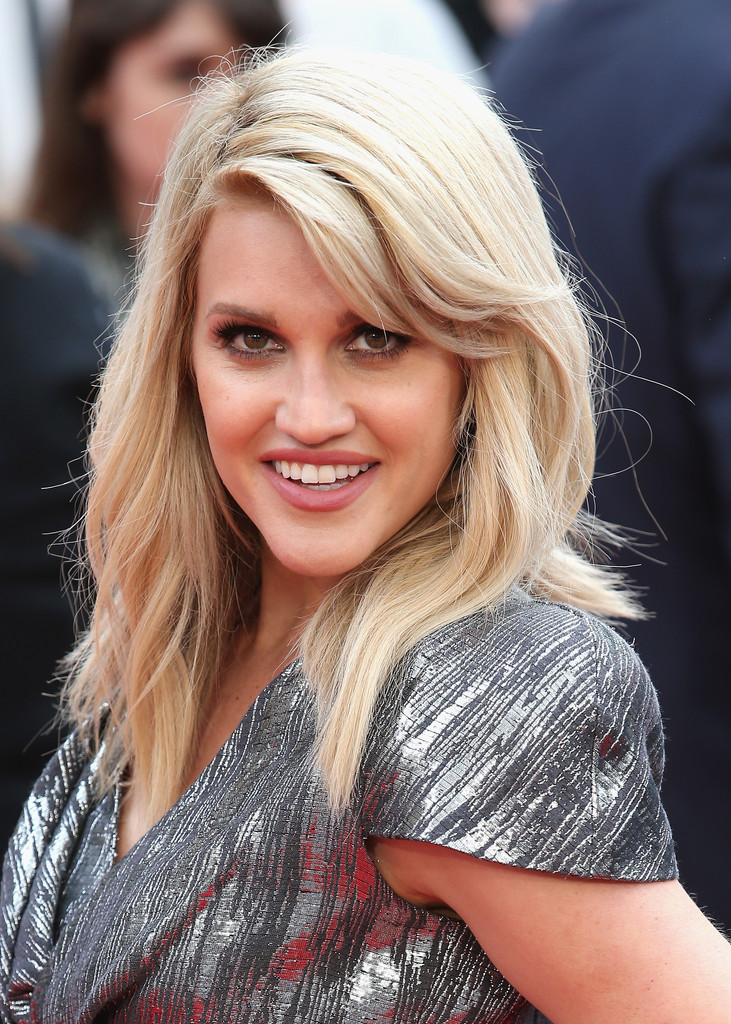 Ashley Roberts Nude Photos 39