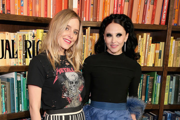Stacey Bendet Jenny Mollen Alice + Olivia By Stacey Bendet - Presentation - February 2018 - New York Fashion Week: The Shows