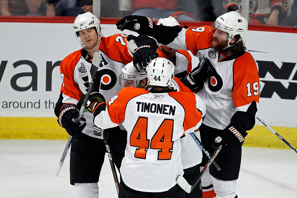 Chris Pronger and Danny Briere Photos Photos - Stanley Cup Finals ... ff61c141f