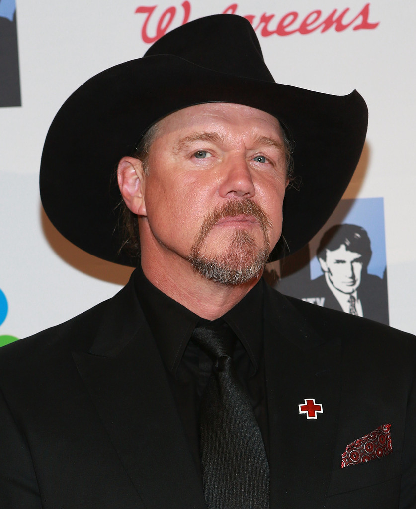 Trace Adkins Pays It Forward on All-Star Celebrity Apprentice