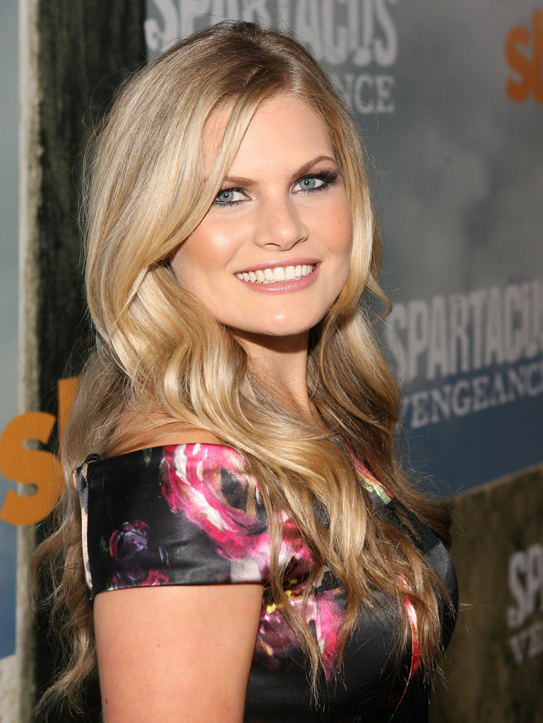 Watch Bonnie Sveen video