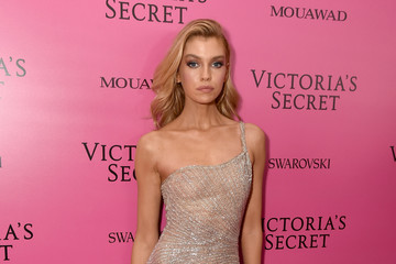 Stella Maxwell 2017 Victoria's Secret Fashion Show In Shanghai - After Party