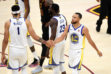 Stephen Curry Javale Mcgee 2018 NBA Finals - Game Three