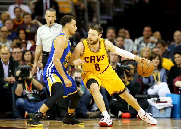 Stephen Curry and Matthew Dellavedova Photos»Photostream · Pictures · 2015  NBA Finals - Game Four f77349f3e