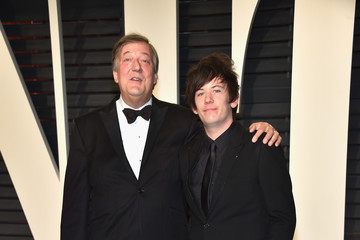 Stephen Fry 2017 Vanity Fair Oscar Party Hosted By Graydon Carter - Arrivals