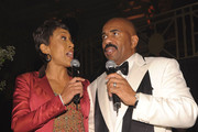 Robin Roberts and Steve Harvey speak at the New York Gala benefiting The Steve Harvey Foundation at Cipriani, Wall Street on May 3, 2010 in New York City.