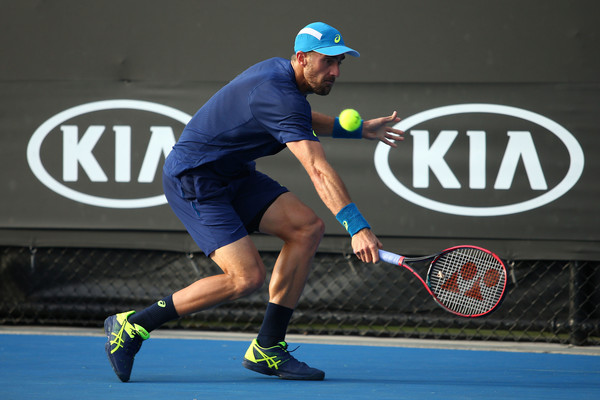 Steve Johnson sets Thomaz Bellucci final in Houston, defeats top seed Jack Sock