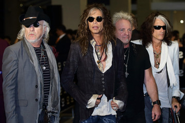 Steven Tyler Joe Perry Arrivals at the Social Star Awards in Singapore