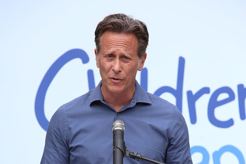 Steven Weber Children Mending Hearts and Vintage Grocers Presents the 8th Annual 'Empathy Rocks'