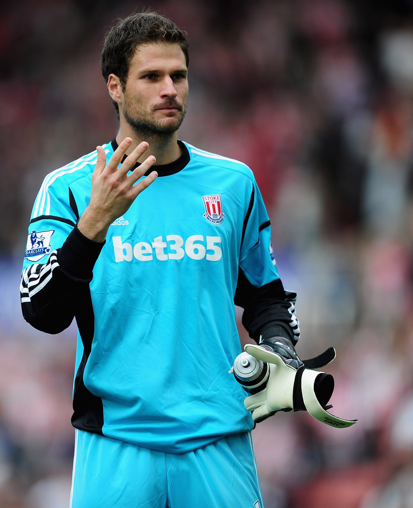 Asmir Begovic s s Stoke City v Arsenal Premier