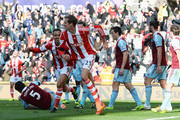 Peter Crouch Peter Odemwingie Photos Photo