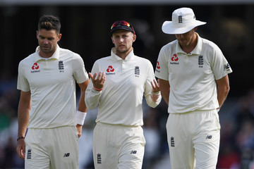 Stuart Broad England vs. India: Specsavers 5th Test - Day Three