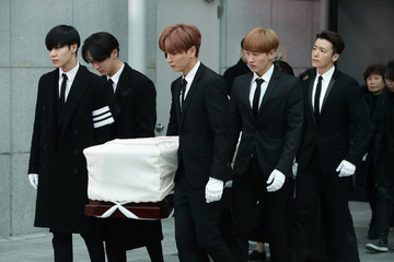 Super Junior Funeral for Pop Idol Jonghyun of SHINee Takes Place