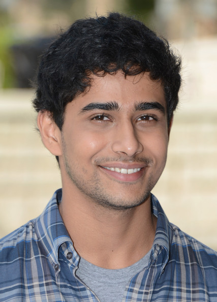 Suraj sharma photos photos 2012 dubai international film for Life of pi characterization