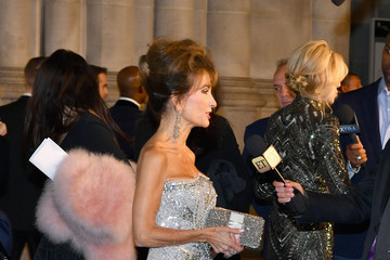 Susan Lucci The Elton John AIDS Foundation's Annual Fall Gala With Cocktails by Clase Azul Tequila