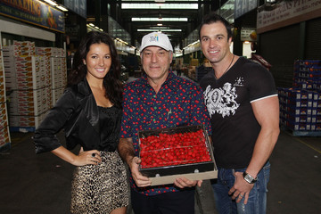 Laura Andon Sydneysiders Attend Annual Cherry Auction At The Sydney Markets