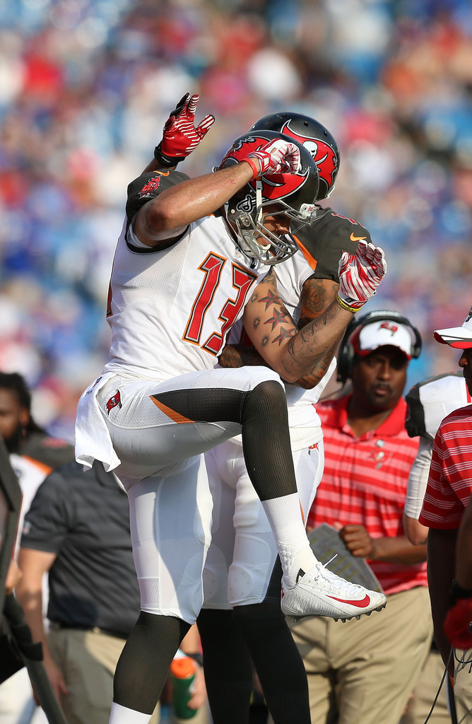 Evans Photos Buffalo - Bills Tampa Buccaneers v Bay Mike