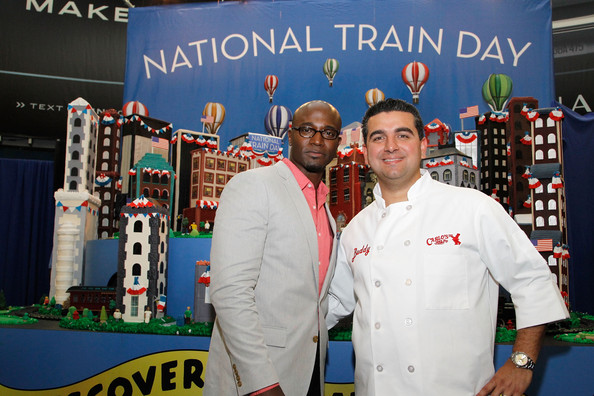 http://www1.pictures.zimbio.com/gi/Taye+Diggs+Amtrak+Kicks+Off+National+Train+m4fwu-zq9eDl.jpg