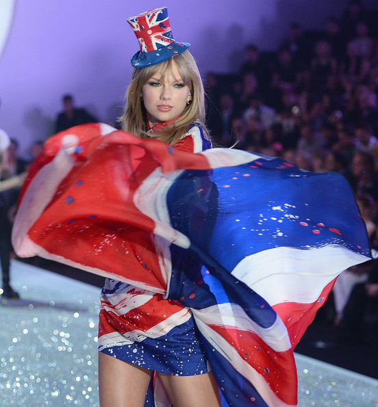 Secret Fashion Show 2013 Taylor Swift Victoria s Secret Fashion