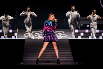 Taylor Swift Sparkles in Baton Rouge