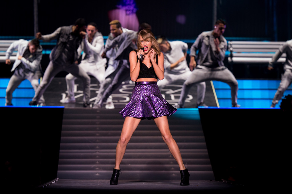 Taylor Swift Photos Photos - Taylor Swift The 1989 World ...