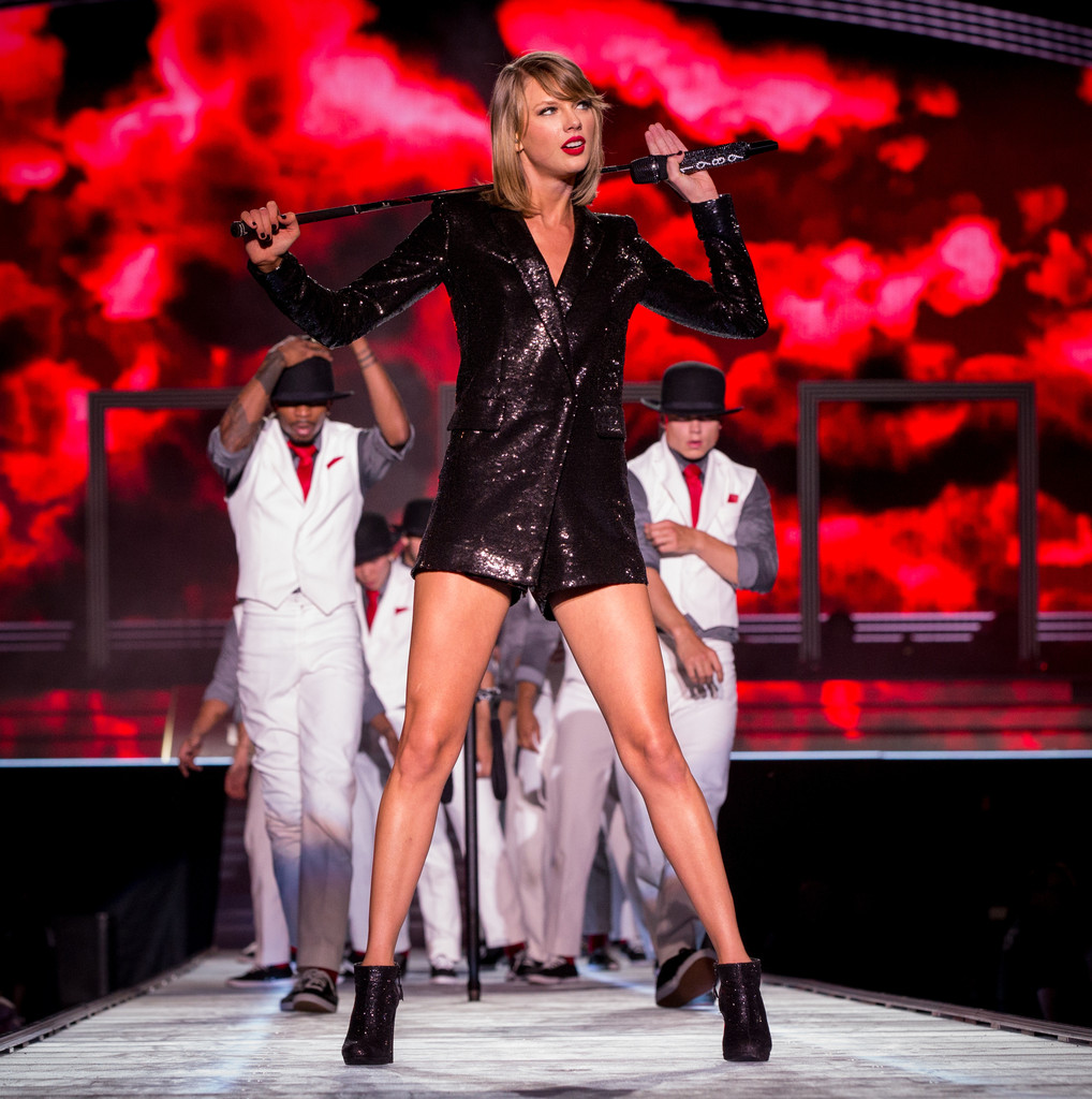 taylor swift photos photos taylor swift the 1989 world. Black Bedroom Furniture Sets. Home Design Ideas