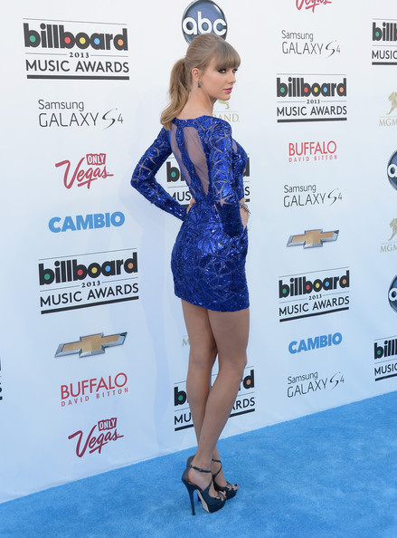 Taylor Swift Singer Taylor Swift arrives at the 2013 Billboard Music Awards at the MGM Grand Garden Arena on May 19, 2013 in Las Vegas, Nevada.
