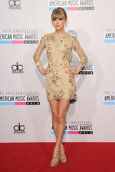 Taylor Swift - The 40th American Music Awards - Arrivals