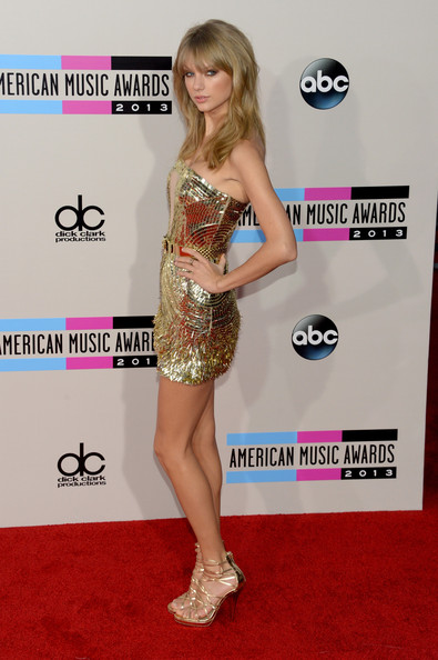 Taylor Swift Singer Taylor Swift attends the 2013 American Music Awards at Nokia Theatre L.A. Live on November 24, 2013 in Los Angeles, California.