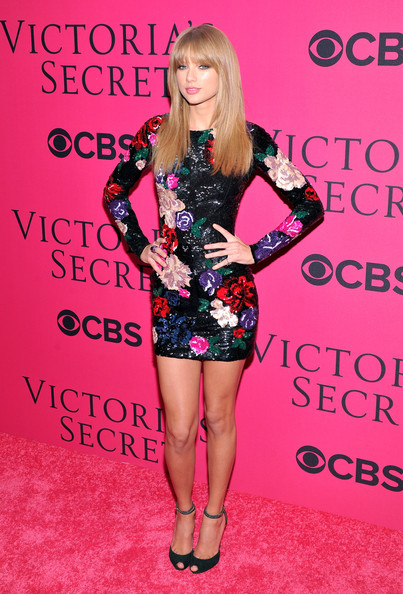 Taylor Swift Singer Taylor Swift attends the 2013 Victoria's Secret Fashion Show at Lexington Avenue Armory on November 13, 2013 in New York City.